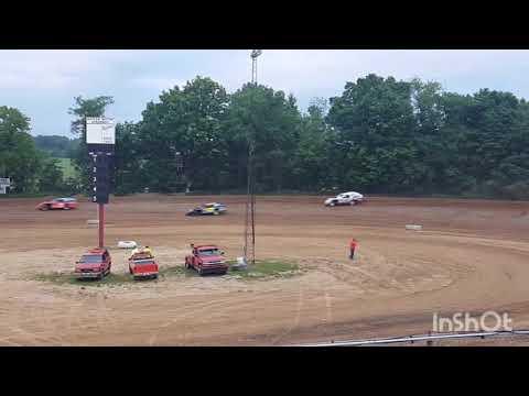 Ump modified heat race 6/2/18 Corey Bevard