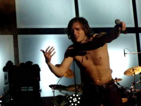 Thomas Godoj - Helden Gesucht (live in Berlin 2008,topless)