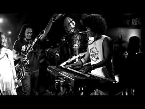 Oppie Andaresta feat Aray Daulay, Didit Saad, Iwanouz - Andai Jadi Orang Kaya
