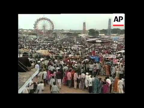 INDIA: GUJARAT: MEN AND WOMEN HUNT FOR SPOUSE AT MARRIAGE FAIR