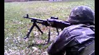 Tiro de FN MAG™ 7,62 mm sobre bipé - Infantaria