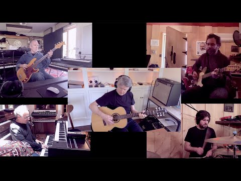 Crowded House - Fall At Your Feet (live from home, 2020)