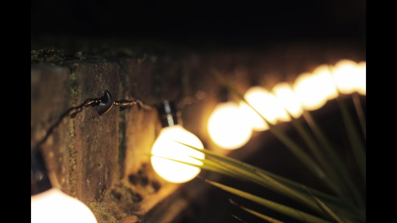 Outdoor String Lights On Fence : An easy way to hang string lights outside - YouTube