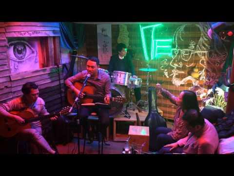 Nụ cười trong mắt em - Guitar Trần Anh Tuấn (Tre cafe 377 Nguyễn Khang)