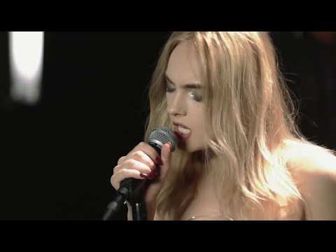 LARISA feat. Tudor Chirilă - Rămâi cu bine   Jazz Version