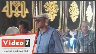 بالفيديو..أحمد بدير وأشرف زكى وماجد المصرى وهنا شيحه فى جنازة نور الشريف