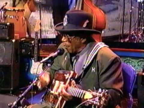 Bonnie Raitt & Bo Diddley - The Tonight Show 2-26-1996