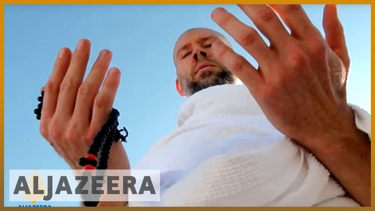 Jewish convert to Islam; does pilgrimage to plain of Arafat