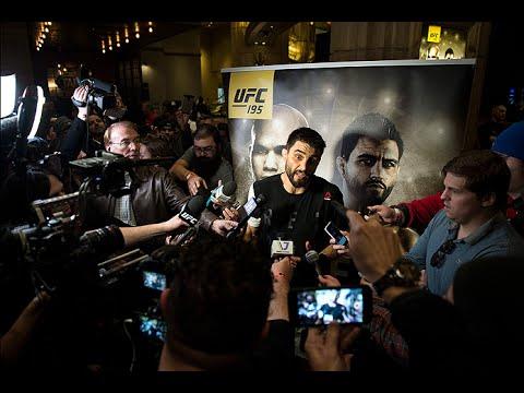 La conférence de presse après combat de l'UFC on Fox 21