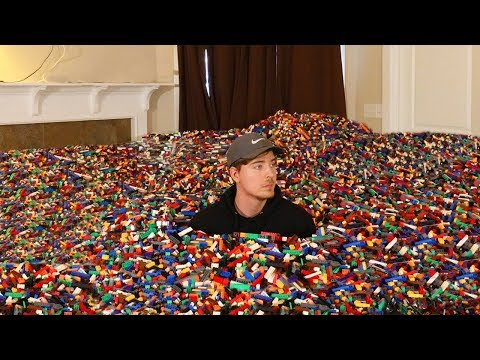 I Put 10 Million Legos in Friends House