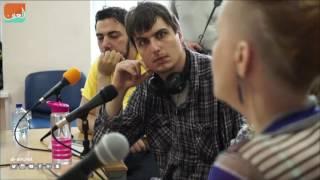 بالفيديو.. أول برنامج إذاعي يعده مرضى نفسيون في روسيا