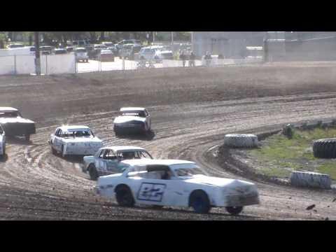 Nodak Speedway IMCA Hobby Stock Heats (5/21/17)