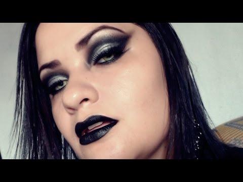 Goth Makeup - Temptation/Vamp Look