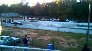 Gambar cover Kaotic Racing 's Lucifer vs. Chris's Bigtyre 1st Grudge Race URS Macon National Dragway Twiggs