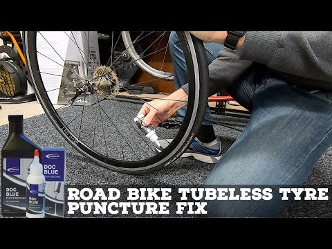 Road Bike Tubeless Tyre Puncture Fix // Hutchinson 25mm Tubeless