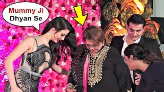 Arbaaz Khan Girlfriend Georgia Andriani Shows Care For Helen At Lux Golden Rose Awards 2018