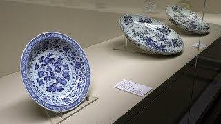 出光美術館 染付 ― 世界に花咲く青のうつわ