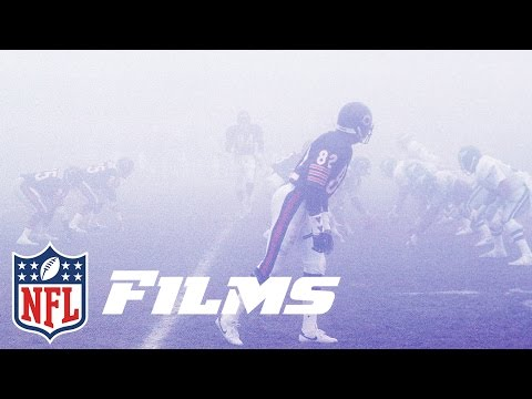 An Eerie Fog Rolls in During the Bears vs. Eagles 1988 Playoff Game | NFL Films | Timeline: Fog Bowl