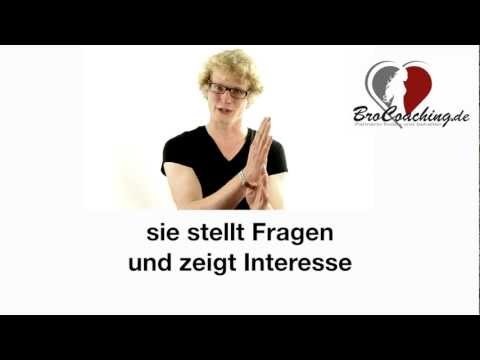 Steht sie auf mich? Wie merke ich Interesse bei einer Frau? (Anzeichen Körpersprache) von YouTube · Dauer:  6 Minuten 6 Sekunden