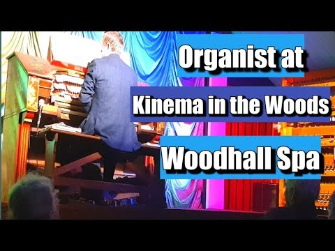 Organist At Kinema In The Woods Woodhall Spa