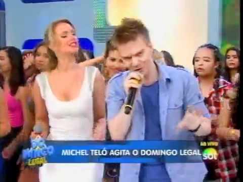 Michel Teló canta seus sucessos no Domingo Legal