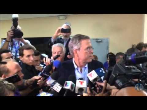 Jeb Bush Attacks Donald Trump (Spanish)