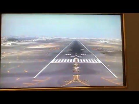Forward Camera landing in Dubai (Emirates 777-200LR)