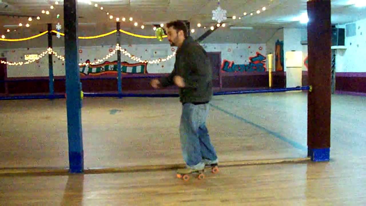 Roller skating kendall - Goofy Roller Skating