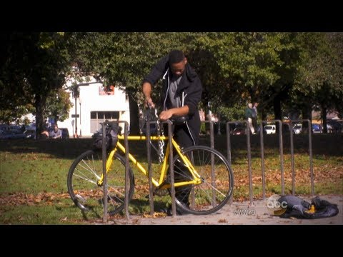 Possible bike thief caught in the act | What Would You Do? | WWYD