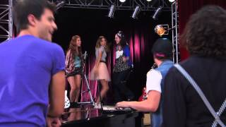 Vilu canta ¨Código Amistad¨  | Momento Musical | Violetta