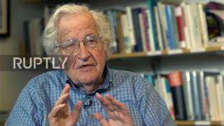USA: 'If you are critical of policy, you are anti-American' - Noam Chomsky