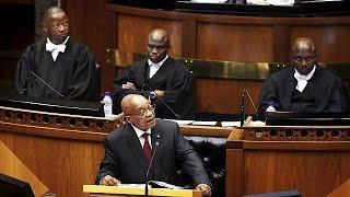 Südafrika: Proteste vor und in Parlament gegen Staatspräsident Jacob Zuma