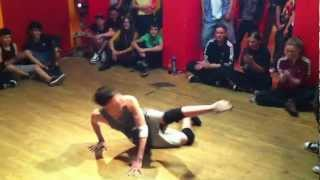 Bboy Leon Team Azooka vs One cent  Finale