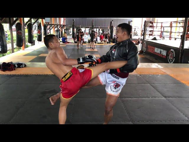 Muay Thai Play Sparring: Saksurin vs Saileuat