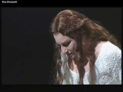 Eccola! (la scena della pazzia) - Lucia di Lammermoor - Mariella Devia (con testi)