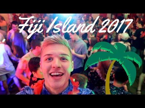 FIJI ISLAND : COLLEGE PARTY