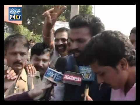 Karnataka: Reddy aide B Sriramulu wins Bellary bypoll - Suvarna news