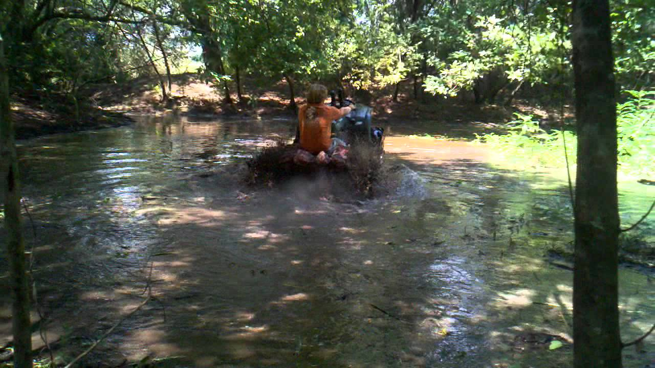 8 Inch Lift Kit >> 04 grizzly 660 gorilla 5.5 lift in a pond - YouTube