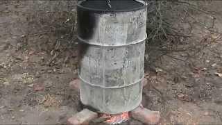 Как сжигать мокрые ветки и дрова.(Металлическая бочка приспособленная для сжигания мокрых дров и веток., 2015-05-13T14:43:07.000Z)