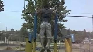 Денис Минин - тренировка Ghetto Workout(Денис Минин — настоящий герой нашего времени, который добился удивительных результатов, работая над собст..., 2012-07-13T15:38:13.000Z)