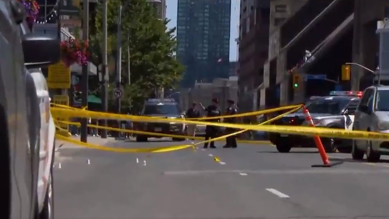 Suspects sought in brazen daylight downtown shooting