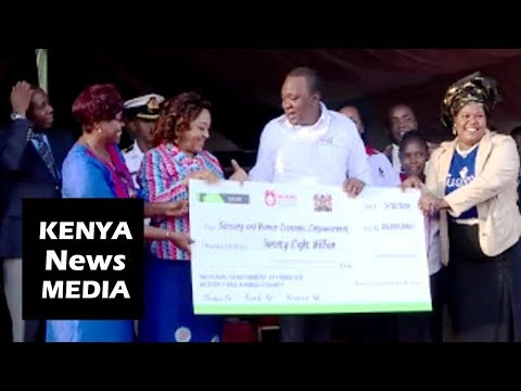 President Uhuru Kenyatta Tours EXHIBITION and Awards CHEQUE in Kiambu!!!