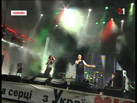 Nastya Kamenskih & Potap - Live_12 09 2009( Leg-spandex )