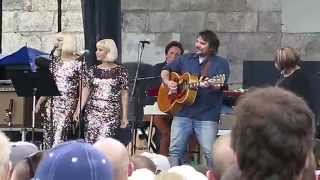"Jeff Tweedy + Mavis Staples ""Wrote a Song for Everyone"" - Newport Folk Festival 7.27.2014"