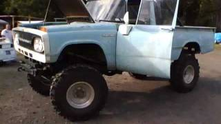 1964 Toyota Stout 4X4 With 9'' Lift And 35'' Boggers On a 1984 SR5 toyota Running Gear