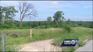 Asbestos removal project underway in KC neighborhood