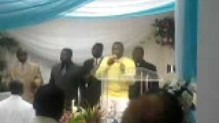 "Elvis Yeboah Praises Medley Pt.1 ""The Most High God, Everybody Blow your Trumpet, Unto The Lord"""
