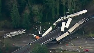 NTSB: Amtrak train was going 80 mph in 30 mph zone
