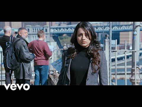Vinnaithaandi Varuvaayaa - Aaromale Video   A.R. Rahman
