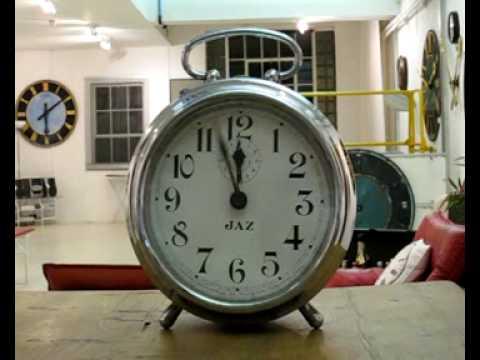 GIANT ALARM CLOCK